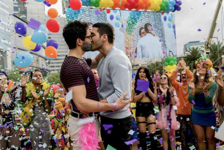 Lito Hernando - kiss - S2 - IMDB.jpg